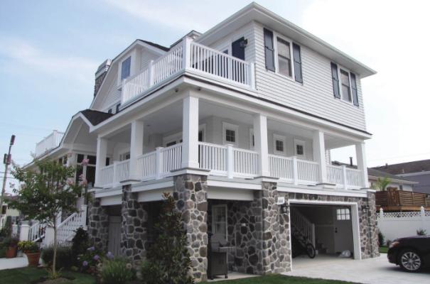 vinyl porch railing on beautiful home
